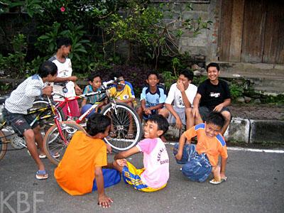Local Kids in Bali