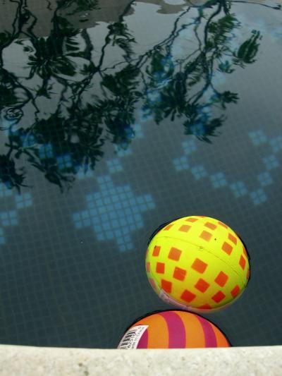 Psychedelic Bouncy Balls!