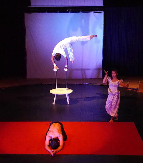 aa-siem-reap-cambodia-circus-32