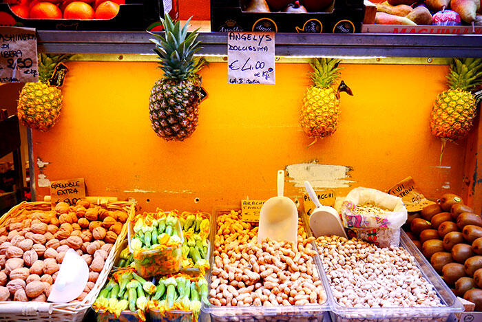 bologna-italy-32-fruits