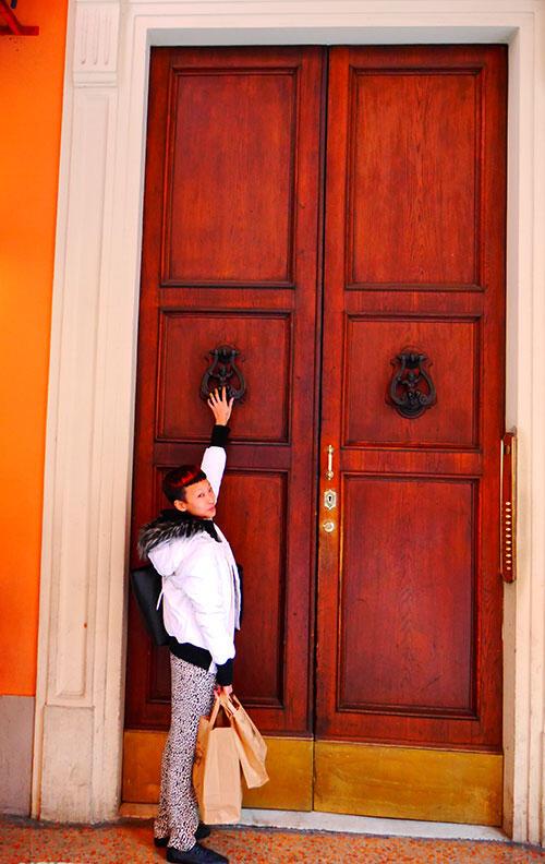 bologna-italy-45-big-doors