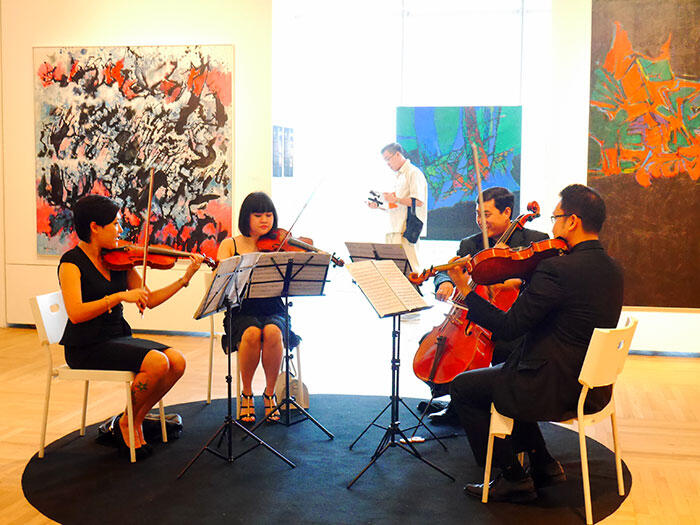 a-laitong-60-years-exhibition-artist-michelle-lai-violinist-13