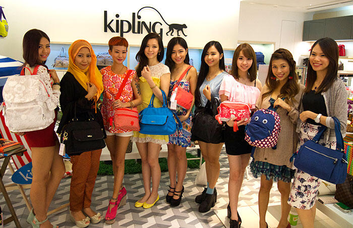 kipling-SS14-6-summer-wave