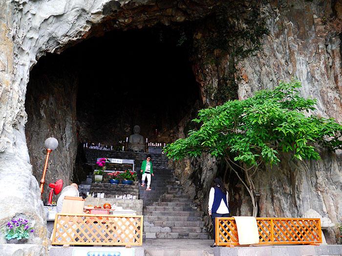 jeju-korea-11-temple-mount-sanbang