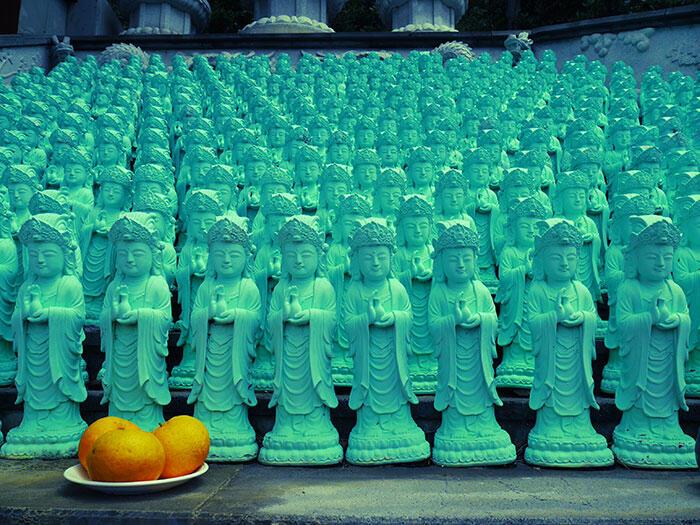 jeju-korea-12-oranges-temple-mount-sanbang