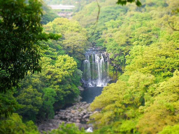 jeju-korea-58-Jeju-waterfall