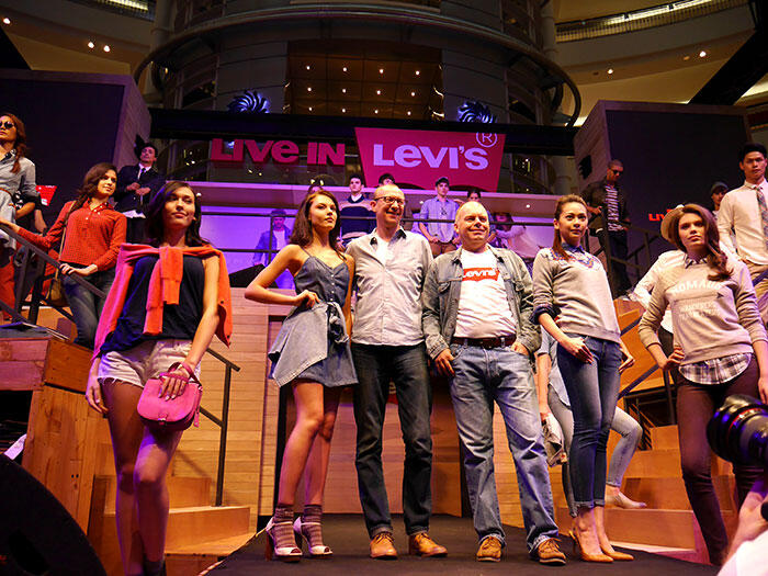 a-live-in-levi's-klcc-16