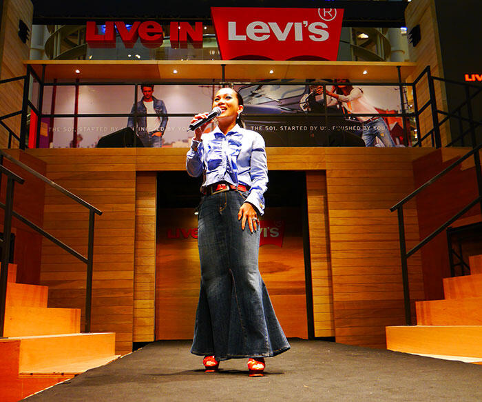 a-live-in-levi's-klcc-17