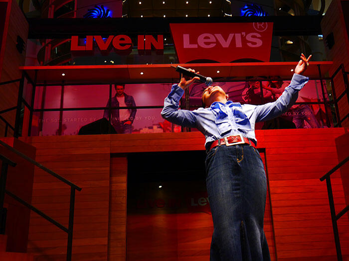 a-live-in-levi's-klcc-19