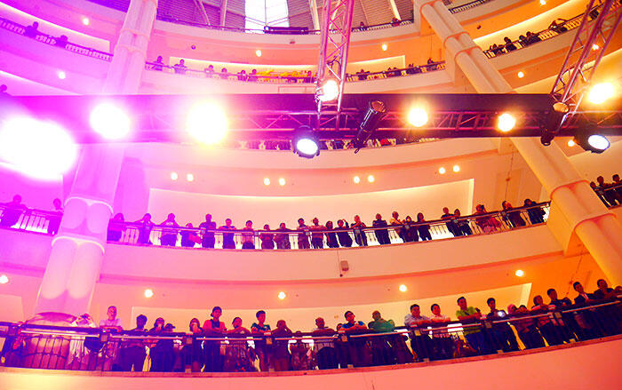 a-live-in-levi's-klcc-20