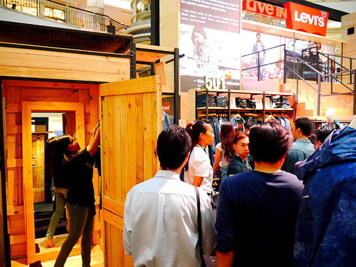 a-live-in-levi's-klcc-30