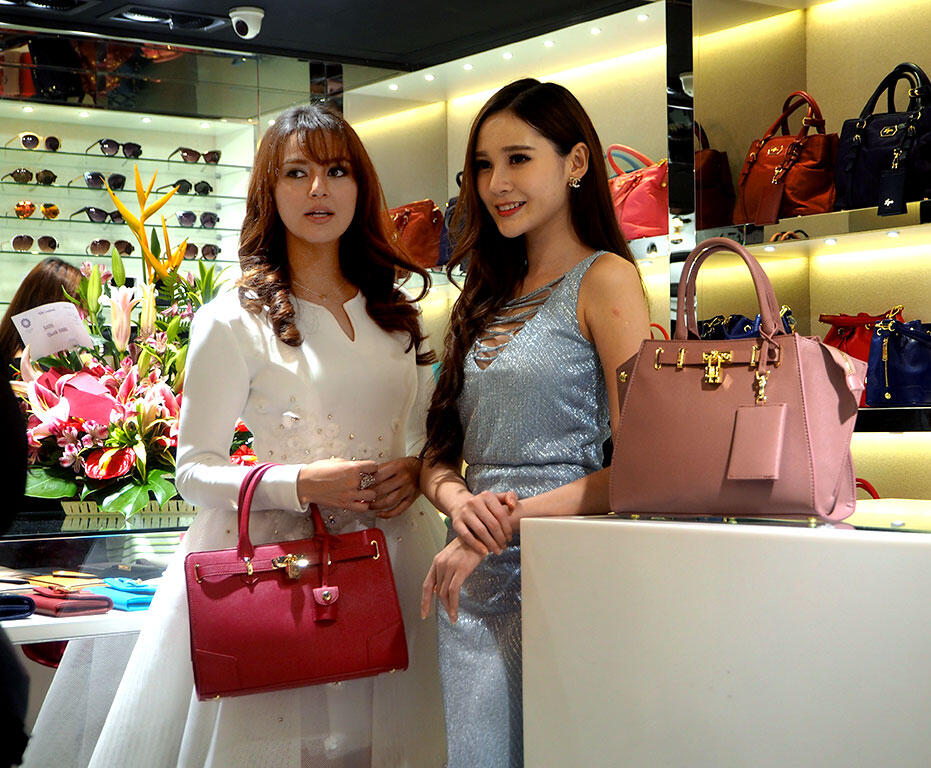 LYN malaysia store opening in suria KLCC