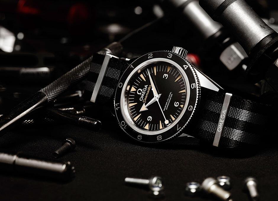 The-OMEGA-Seamaster-300-Bond_233.32.41.21.01.001