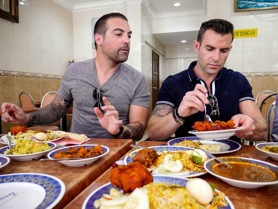 HGTV Asia The Cousins in Malaysia John Colaneri Anthony Carrino-11 Nasi Kandar Pelita KLCC
