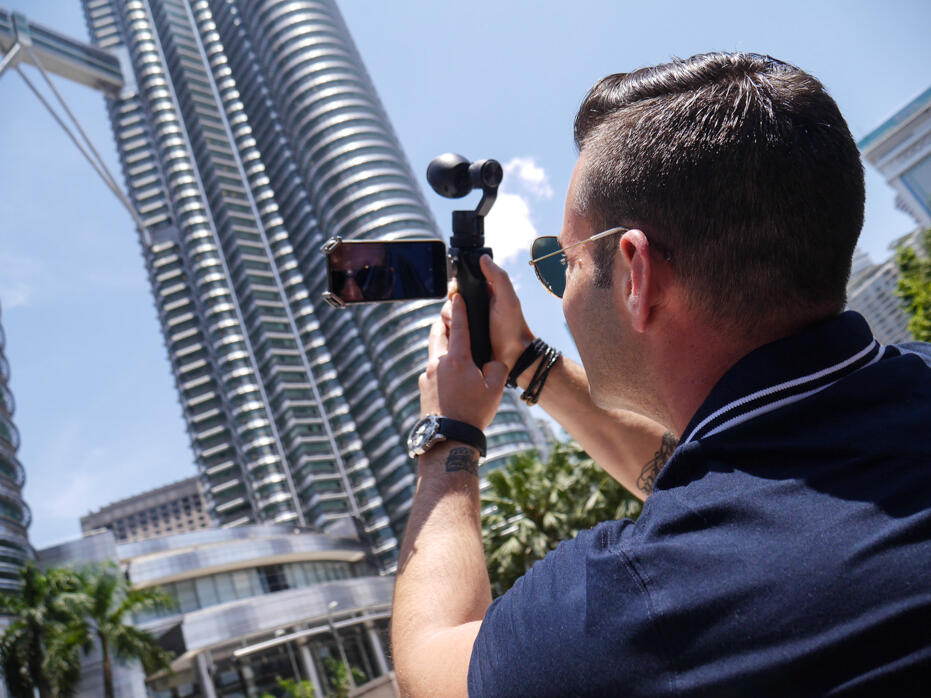 HGTV Asia The Cousins in Malaysia John Colaneri Anthony Carrino-18 KLCC Petronas Twin Towers