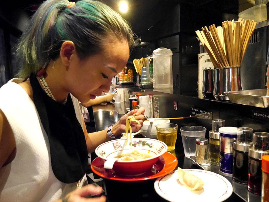 b-saikoro-ramen-restaurant-tokyo-japan-3
