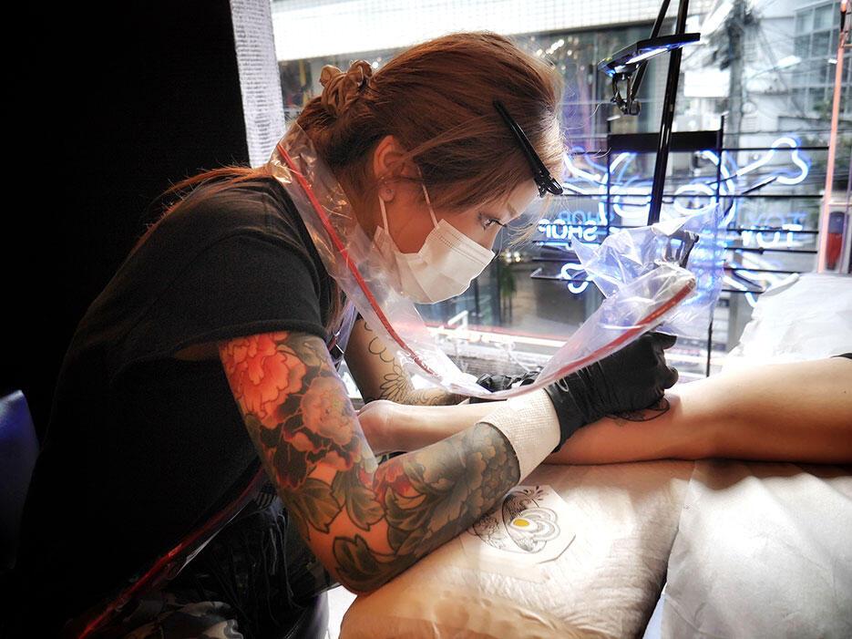 three-tides-tattoo-tokyo-harajuku-1-azusa-tattoo-artist-japan