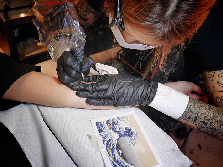 three-tides-tattoo-tokyo-harajuku-4-great-wave-off-kanagawa