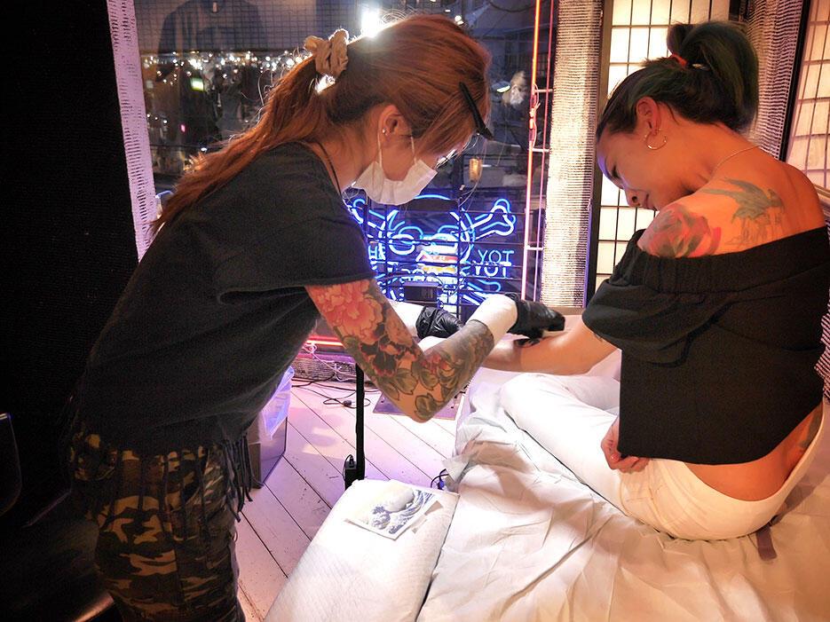 three-tides-tattoo-tokyo-harajuku-7-japan