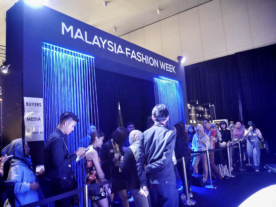 a-zang-toi-epson-malaysia-fashion-week-2016_2