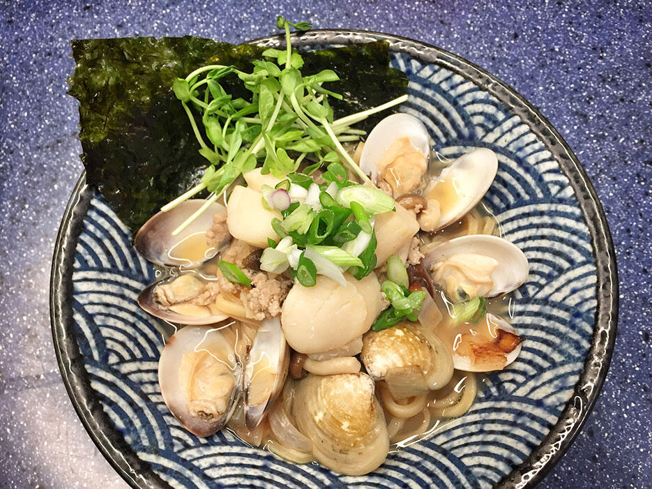 malaysian-food-3-home-cooked-clam-ramen