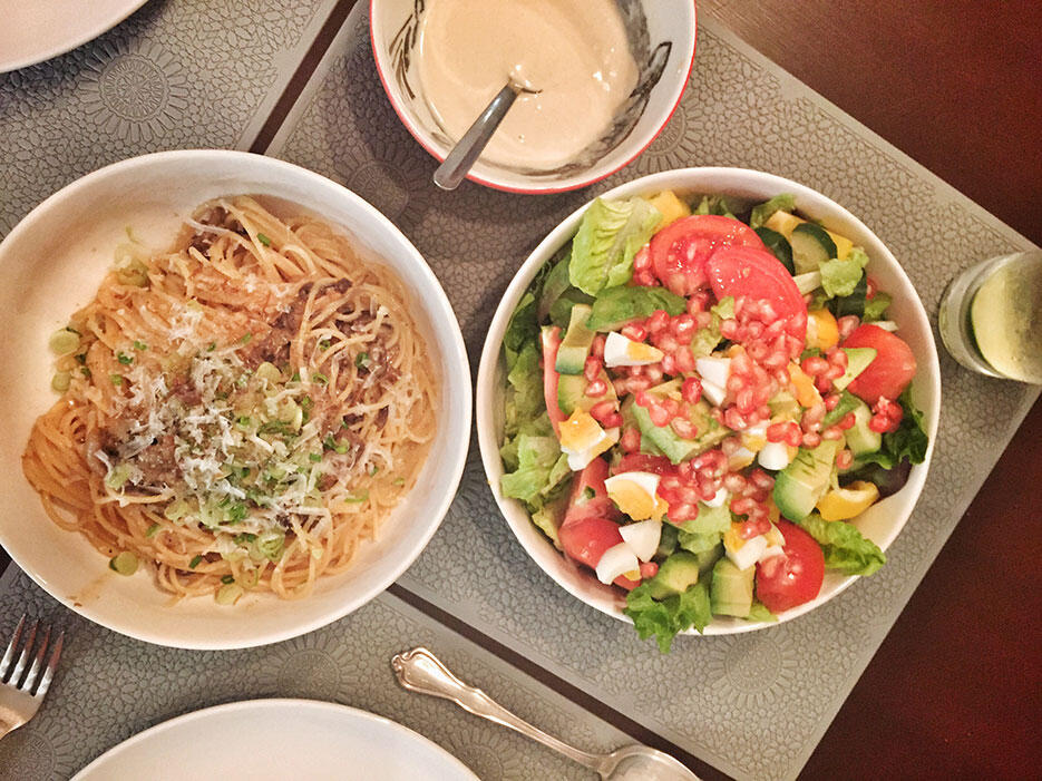 malaysian-food-3-home-cooked-pasta-pomegrenate-salad