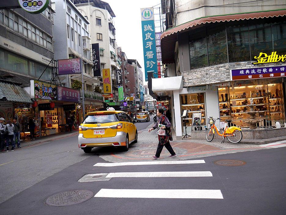 a-taiwan-f-downtown-taipei-19-yongkang-street