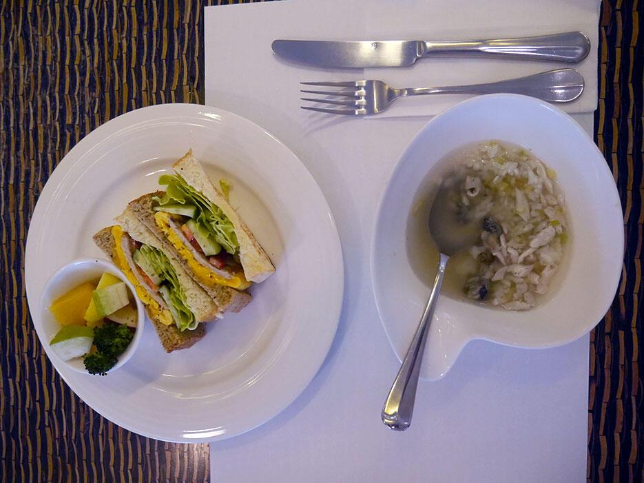 Jia-jia-west-market-hotel-tainan-taiwan-14-breakfast-taiwanese-porridge-sandwich