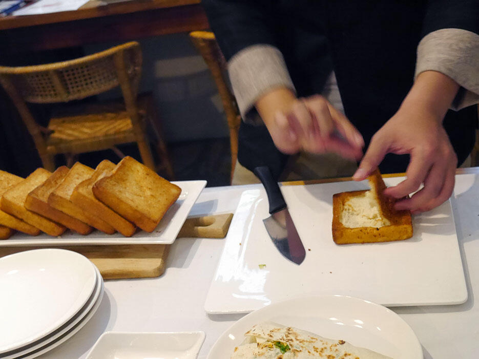 Jia-jia-west-market-hotel-tainan-taiwan-20-cooking-class-coffin-bread