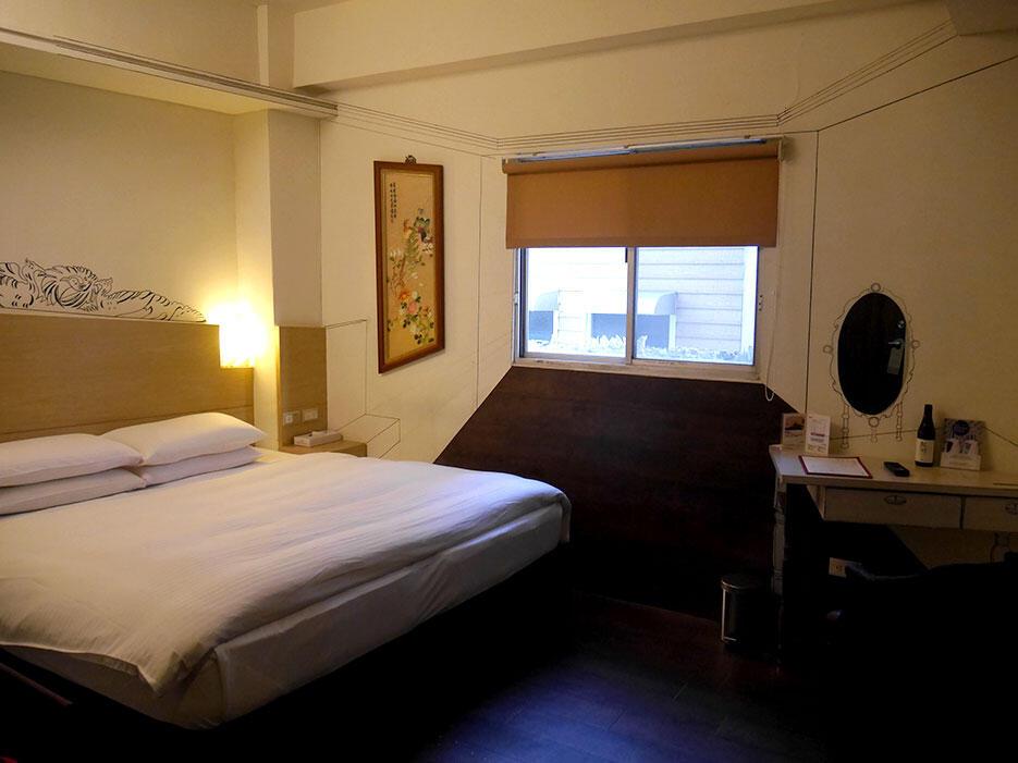 Jia-jia-west-market-hotel-tainan-taiwan-7-room-