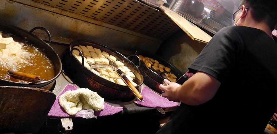 a-tainan-street-food-21-stinky-tofu-backstage