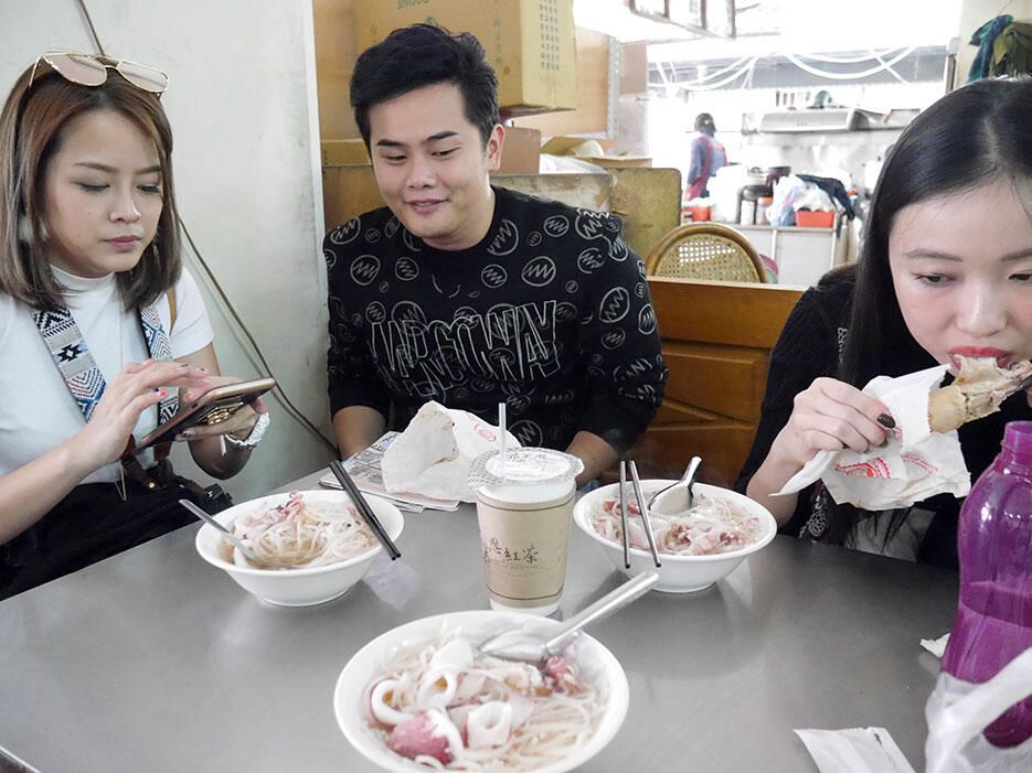 a-tainan-street-food-8-squid-noodles-consomme