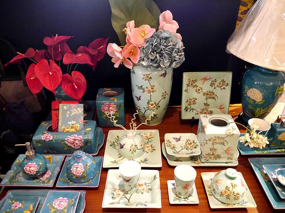 a-tainan-taiwan-22-hayashi-department-store-botanical-ceramics
