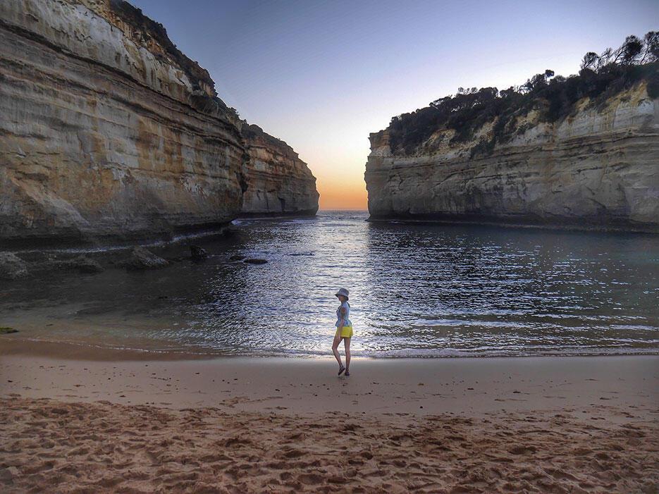 great-ocean-road-15-twelve-apostles-sunset-victoria