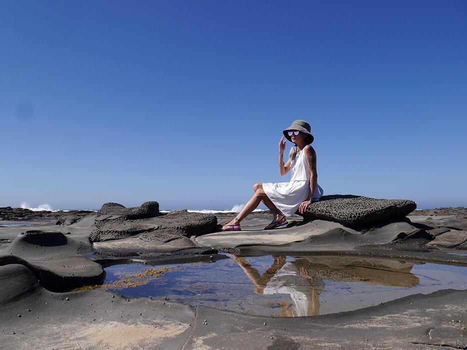 great-ocean-road-41-victoria-australia-rock-beach