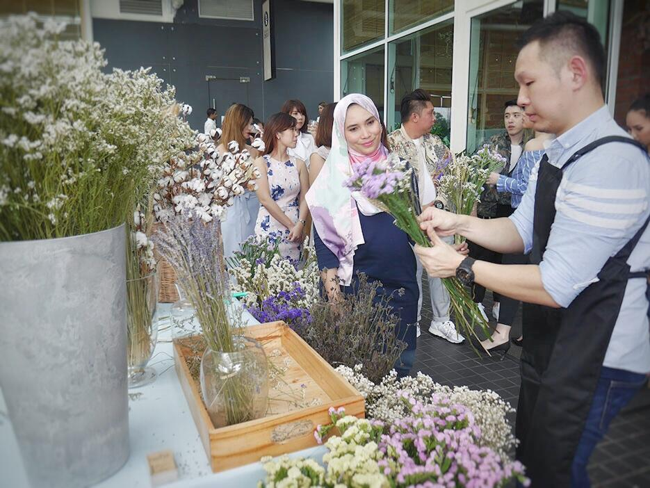 eleanor-make-up-launch-malaysia-sasa-7-flower-bouquets